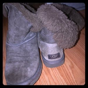 Women's size 9 ugg boots grey